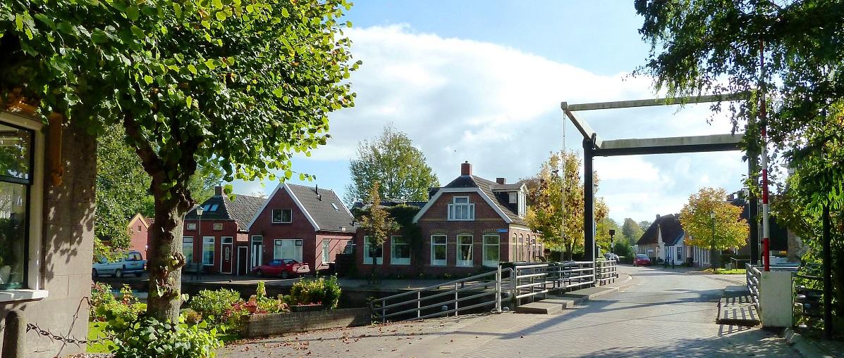 Pieterzijl Brugstraat met Brug